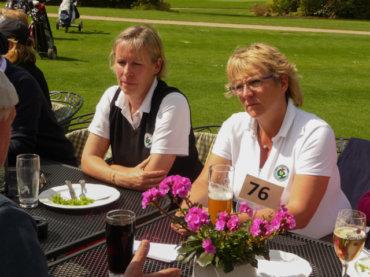 Golfbälle statt Blumen zum Muttertag